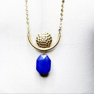 ***Gold Chain &  Plate and Tube Pendant Blue Stone